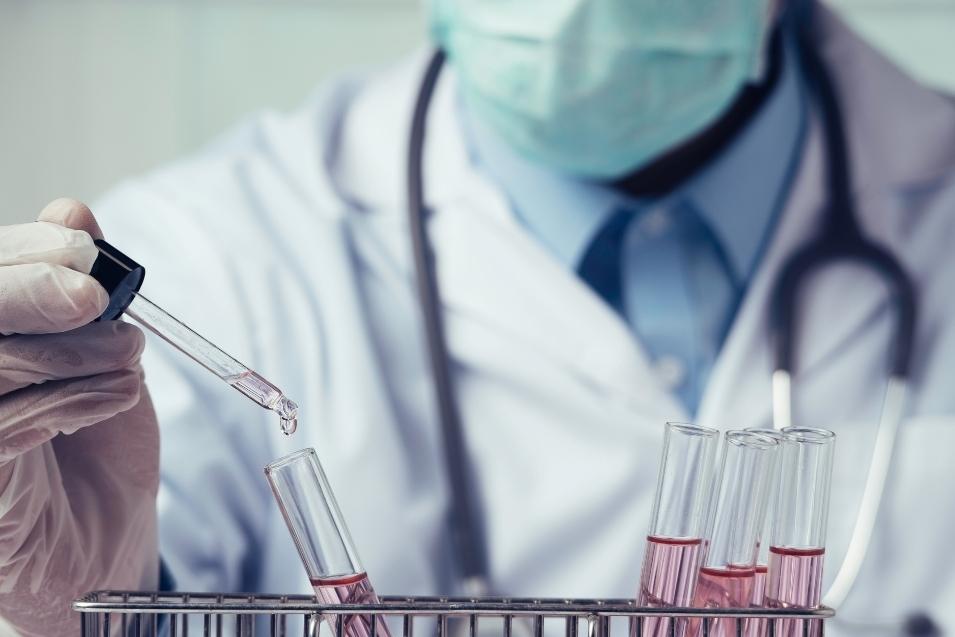 vaccini e astrazeneca