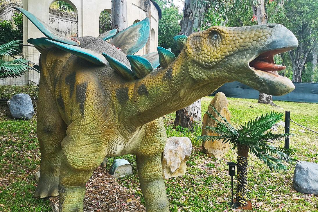 dinosauri alla mostra d'oltremare